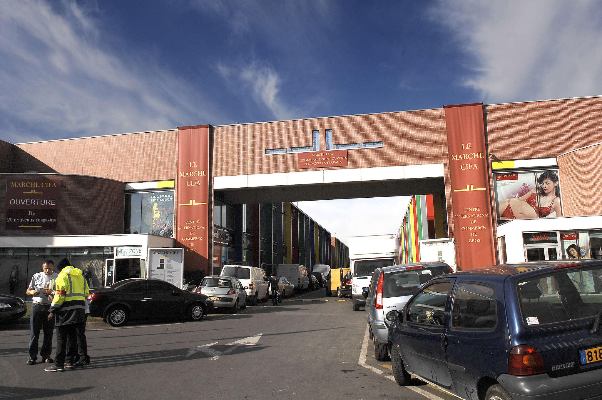 Aubervilliers le cifa centre commerciaux 1074 france - Porte d aubervilliers centre commercial ...