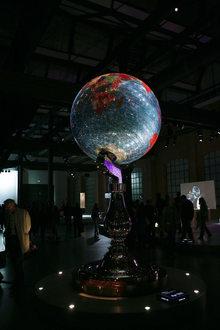 Studio Job Globe