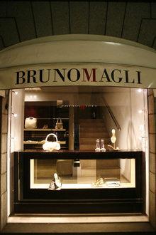 Bruno Magli v Montenapoleone