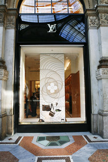 Louis Vuitton gal Vit Emanuele