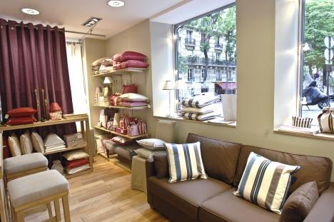 toiles de mayenne r caulaincourt points de vente 4204. Black Bedroom Furniture Sets. Home Design Ideas