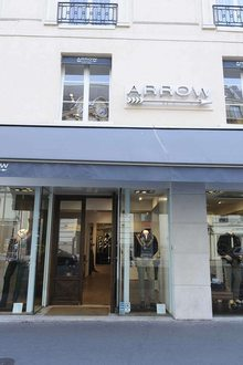 Arrow rue de Sevres