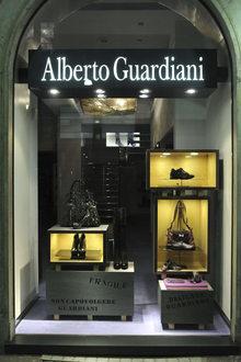 Alberto Guardiani v della Spiga